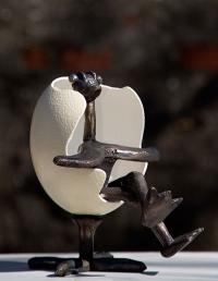 skulptur-af-hans-felthaus-ægget